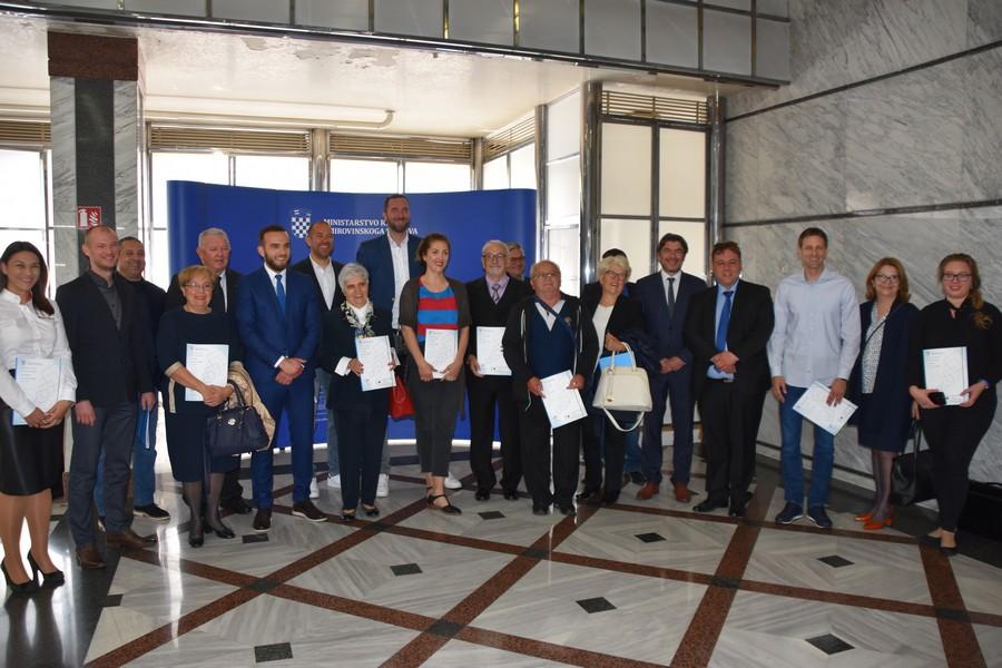 """Potpisan ugovor o provedbi projekta """"Aktivni Goranovci"""""""